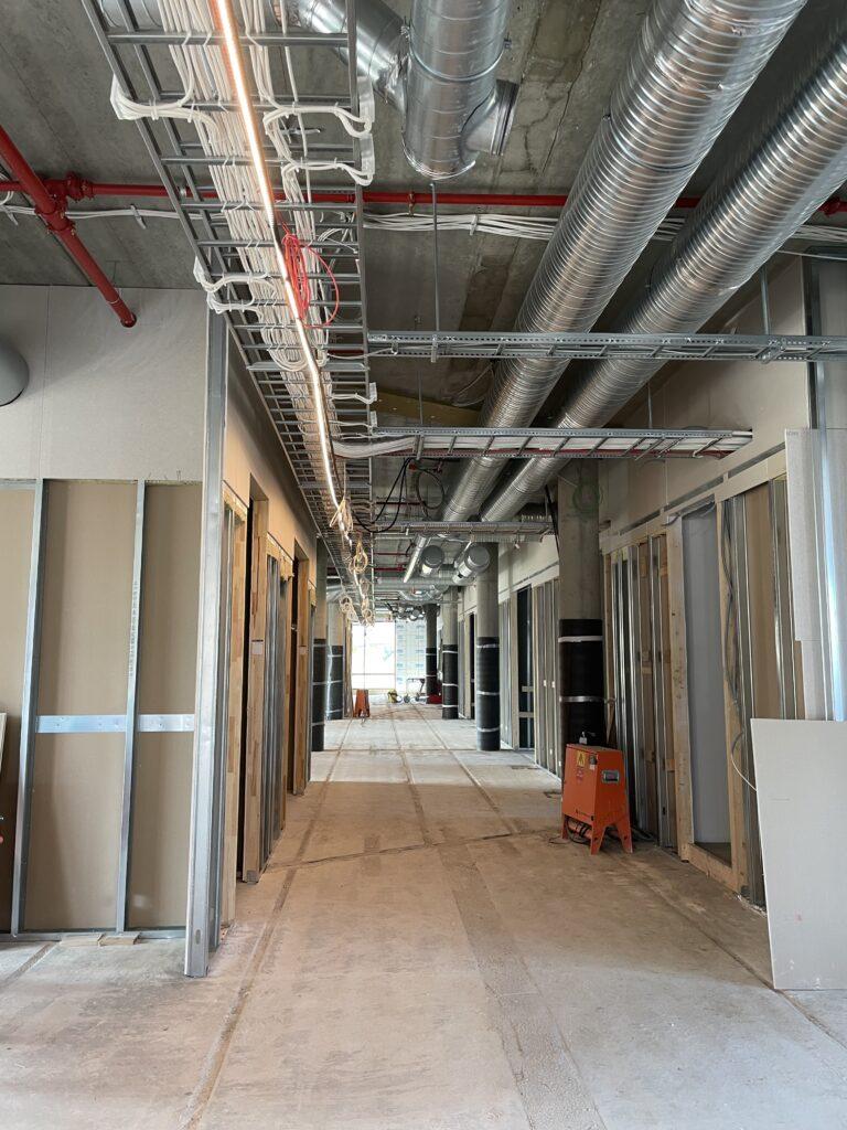Korridor i skolebygget (del A).